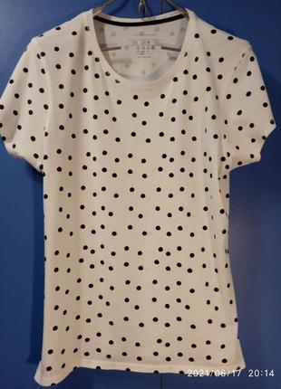 Легкая летняя футболка  в горошек.