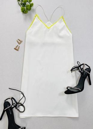 Біла сукня з плотного сатину у білизняному стилі na - kd
