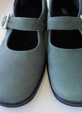 Кожаные 100% туфли на низком ходу