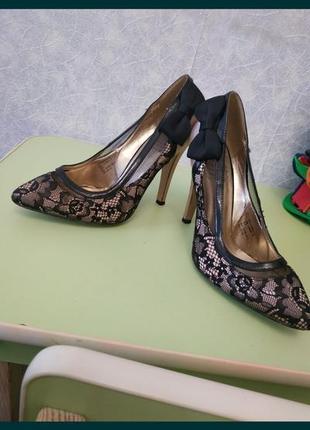Женские туфли. туфли. туфли на каблуке. туфли на шпильке