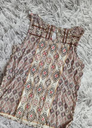 Топ only в орнамент, блуза only beige, топ в геометрический принт4 фото