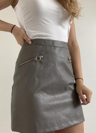 Серая мини юбка от primark