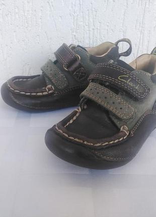 Кожанние ботиночки,мокасини clarks р.20