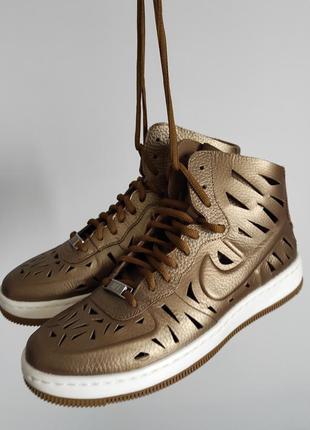 Новые кожаные кроссовки nike air force кожа золотые оригинал найк форсы