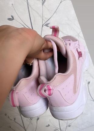 Фирменные кроссовки оригинал , состояние новых