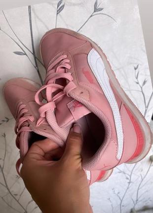 Фирменные кроссовки , оригинал , состояние новых