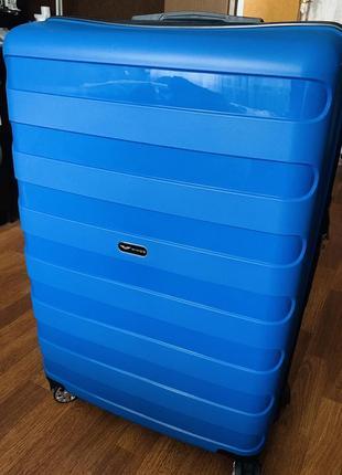 Дорожный чемодан из полипропилена wings