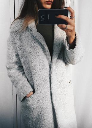 Стильное серое  пальто оверсайз