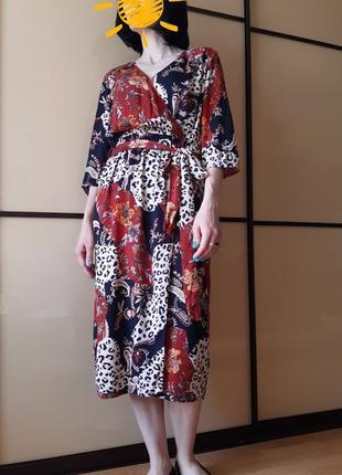 Красивое платье миди в леопардовый, цветочный принт на запах под поясок tu