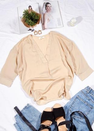 Элегантная блузка бежевая