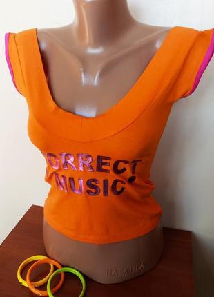Яркий актуальный трикотажный топ топик майка с большим вырезом оранжевого цвета кофточка жіноча расп