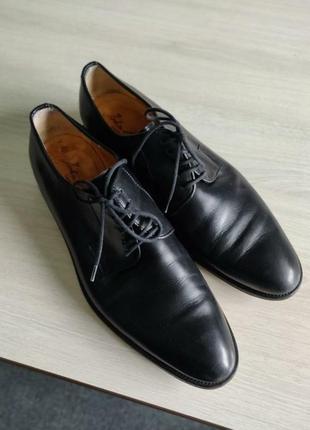 Розпродаж!чоловічі класичні туфлі, виконані з високоякісної шкіри