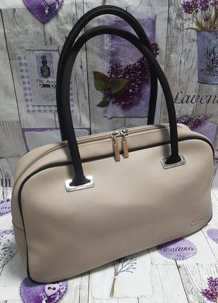Классическая бежевая сумка lacoste authentic
