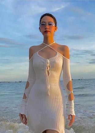 Новое платье разрезы на плечи завязки