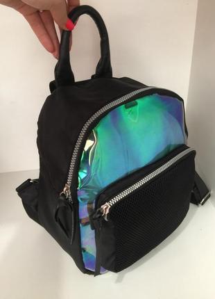 Вместительный и красивый  рюкзак  !!!