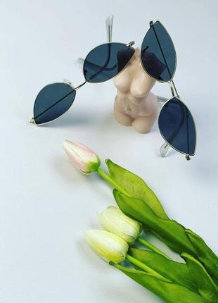 Стильні жіночі сонцезахисні очки окуляри