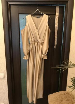 Платье в пол атласное