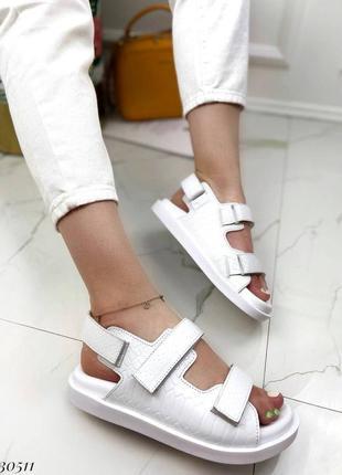 Босоножки на липучках натуральная кожа на платформе тлетние сандалии сандали боссоножки рептилия питон белые2 фото