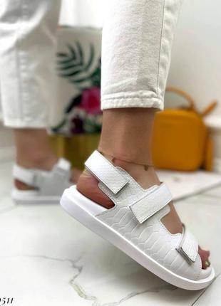 Босоножки на липучках натуральная кожа на платформе тлетние сандалии сандали боссоножки рептилия питон белые6 фото