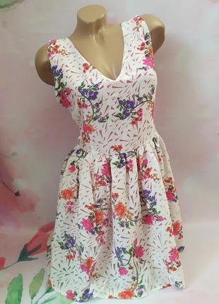 Красивое цветочное платье