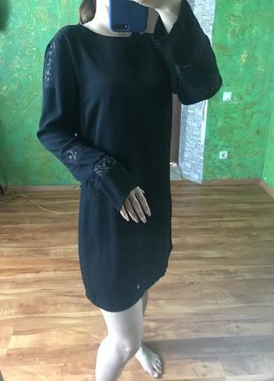 Чёрное базовое платье zara с кружевом