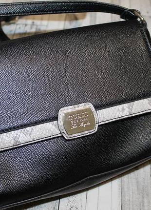 Стильная брендовая сумка guess