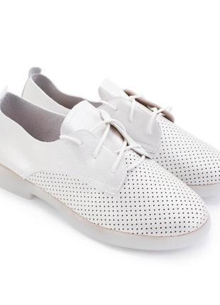 Туфлі. шкіра пресована