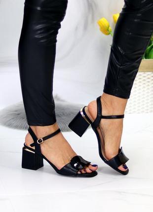 Шикарные стильные женские босоножки на каблуке, очень удобные, чёрные7 фото