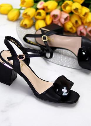 Шикарные стильные женские босоножки на каблуке, очень удобные, чёрные3 фото