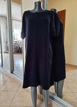 Плотненькое с карманами платье 👗большого размера