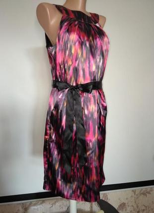 Яркое холодящее платье