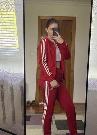 Спортивний костюм adidas. оригінал
