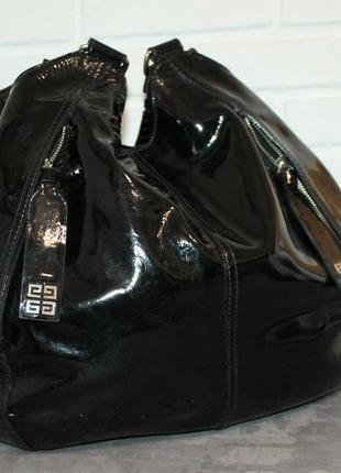 Большущая кожаная сумка от givenchy