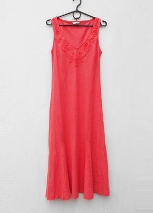 Льняное платье миди с вышивкой