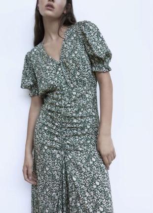 Шикарное платье в цветочный принт zara размер 36