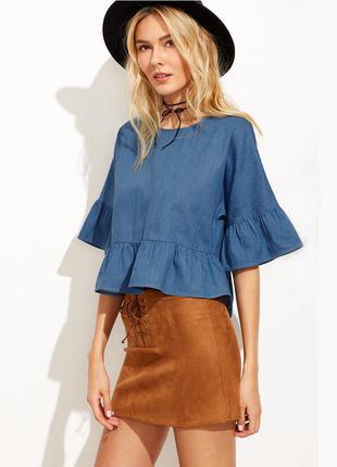 Трендовая джинсовая блуза с воланами