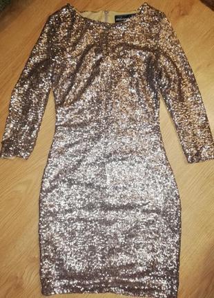 Платье из пайеток короткое