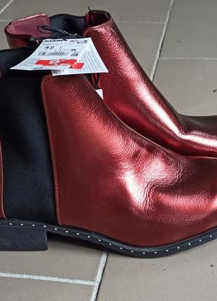 Продам челси, ботинки женские, красные ботиночки