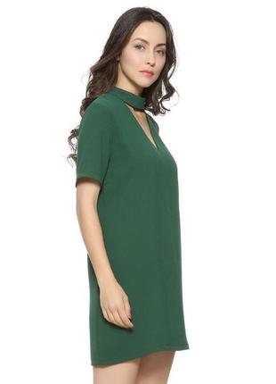 Зелёное платье с чокером