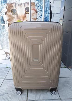 Средний чемодан с функцией расширения обьема,airtex