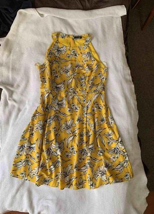 Шикарное платье желтое в цветы летнее