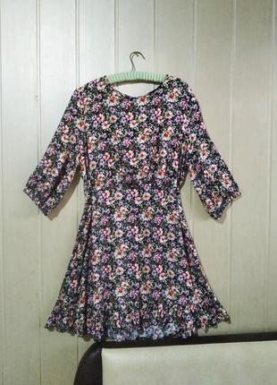 Платье из натуральной ткани вискоза