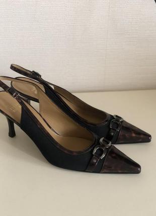 Новые брендовые босоножки туфли stuart weitzman а402648 10 m