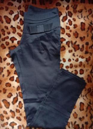 Темно синие классика брюки дудочки высокой 46-48р