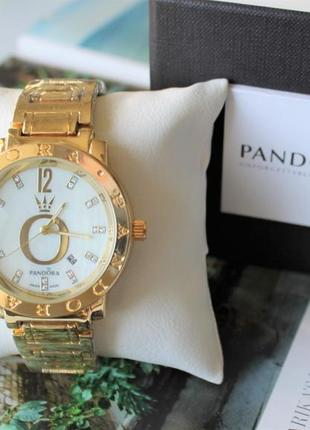 Женские наручные часы в коробке подарок
