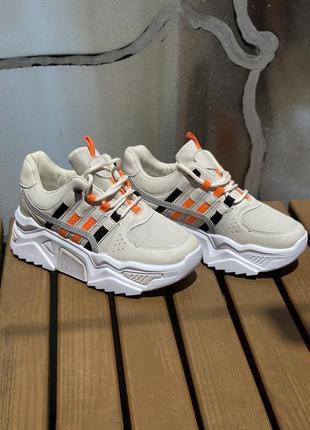 Кроссовки/распродажа женской обуви