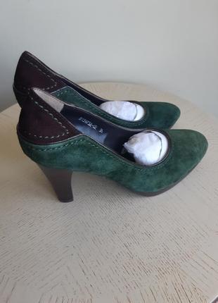 Attizzare туфли замшевые зеленые с коричневой вставкой