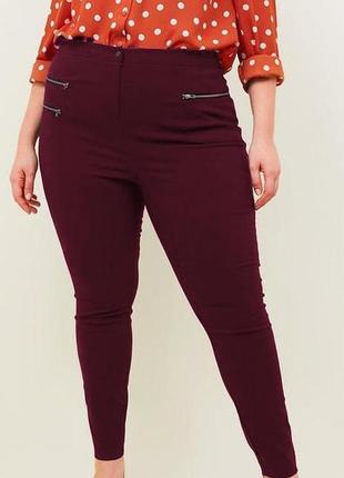 Мегаклассные стрейчевые джинсы скини на пышные формы f&f....