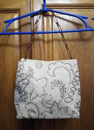 Льняная маленькая сумочка вышитая бисером