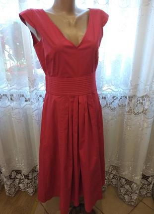 Ефектное красное  платье,плаття,сукня  max & co (max mara)